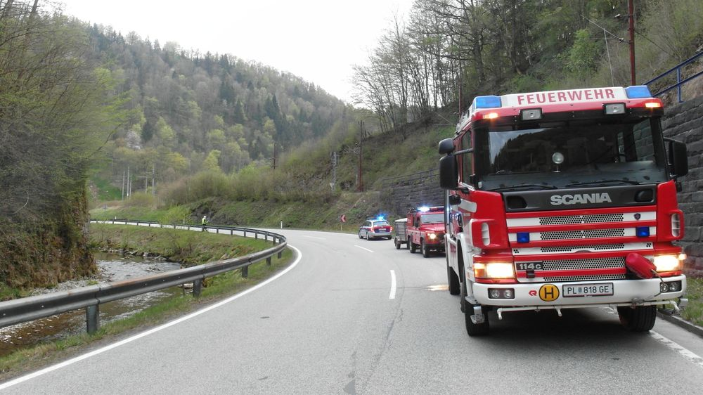 You are browsing images from the article: 18.04.2020: Motorradunfall auf der LB 39