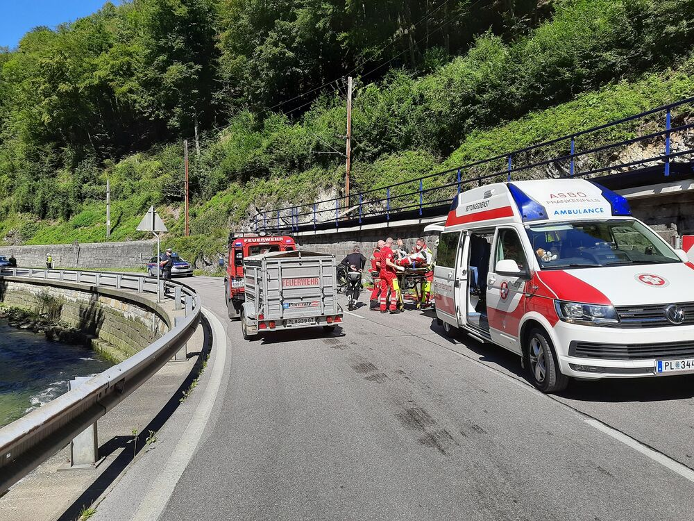 You are browsing images from the article: 05.09.2020: Motorradunfall fordert Schwerverletzten