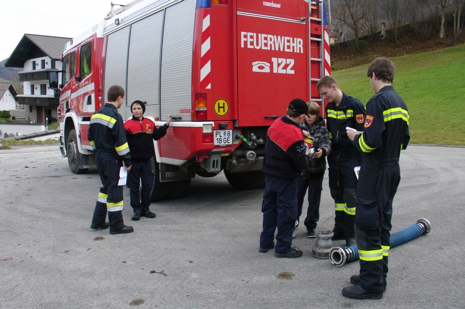 You are browsing images from the article: Erprobung der Feuerwehrjugend am 24.11.2012