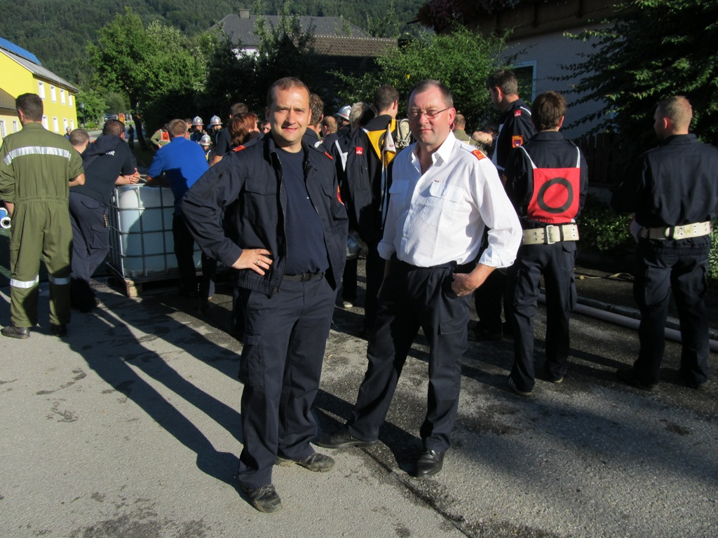 You are browsing images from the article: 13.07.2012 - Nasslöschübungsvergleich in St. Gotthard
