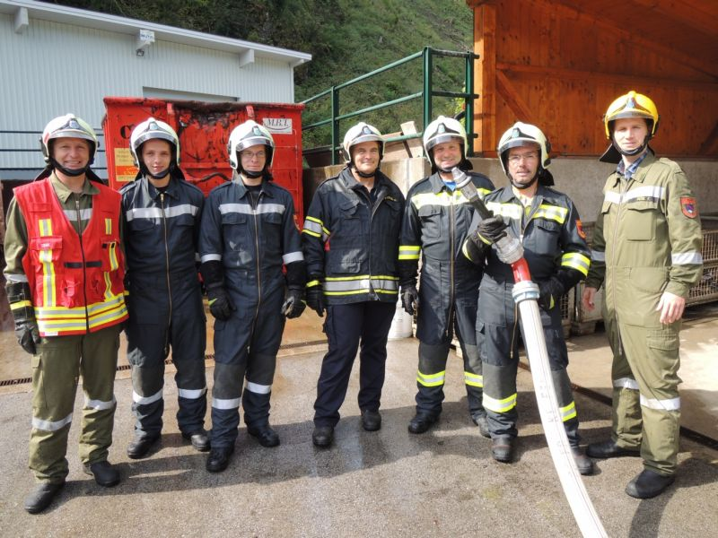 You are browsing images from the article: Ausbildungsvormittag: Gemeindebedienstete im Feuerwehrdienst