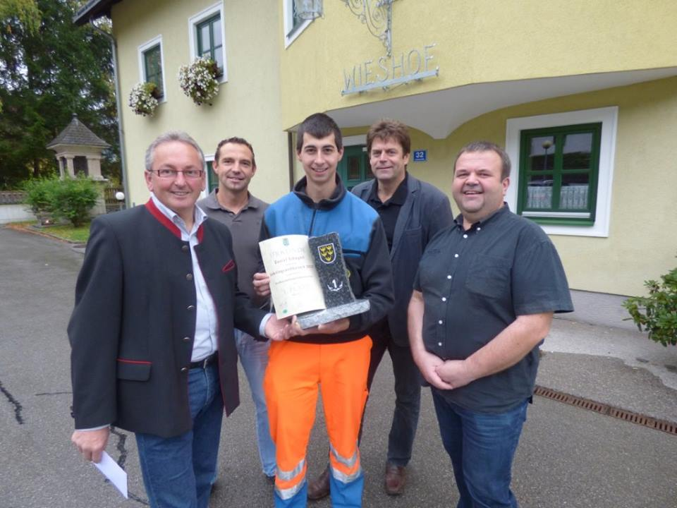 You are browsing images from the article: Feuerwehrmann Daniel Schagerl gewinnt Lehrlingswettbewerb