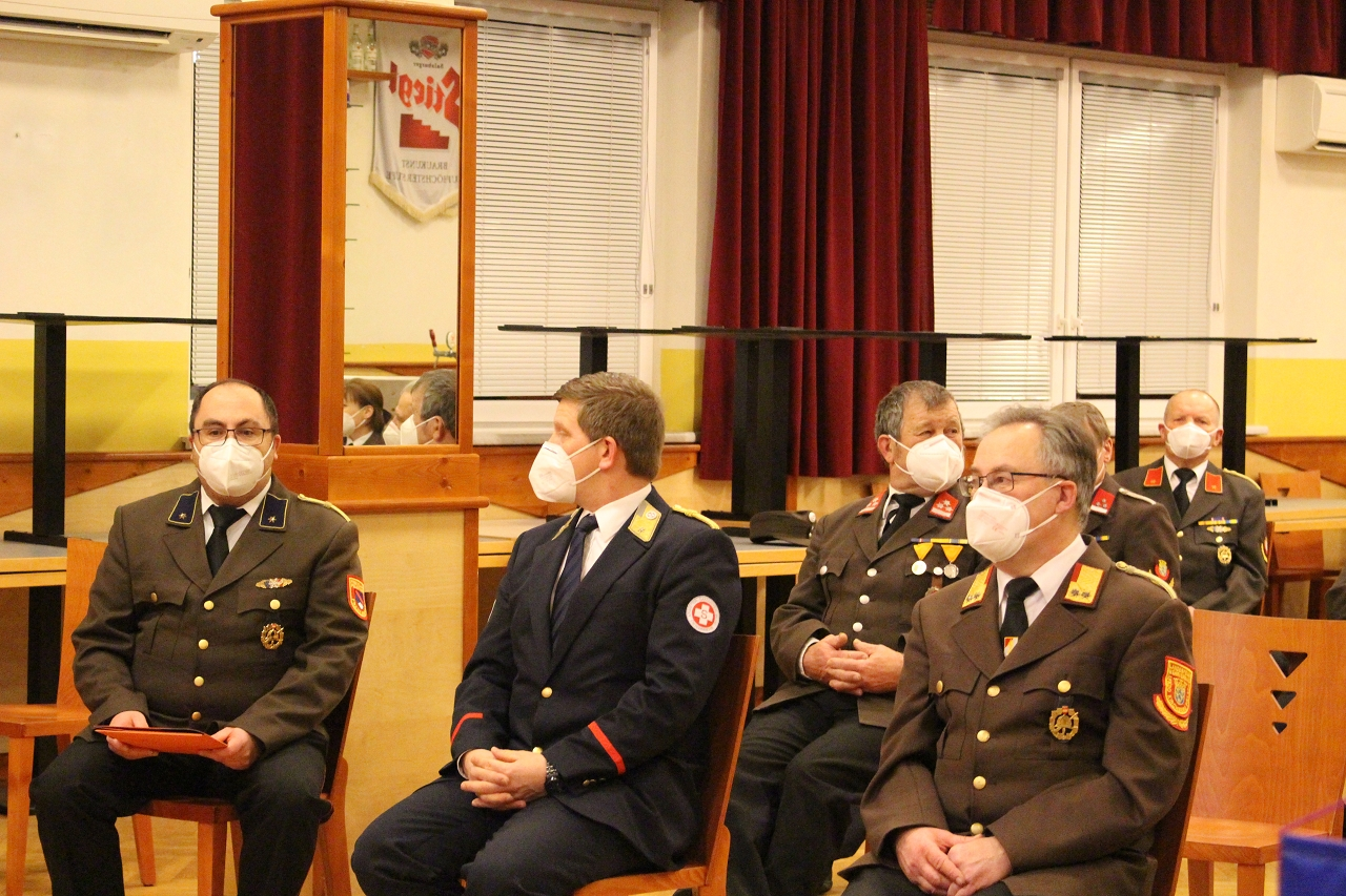 You are browsing images from the article: 138. Jahreshauptversammlung: Feuerwehrführung bei Wahl bestätigt
