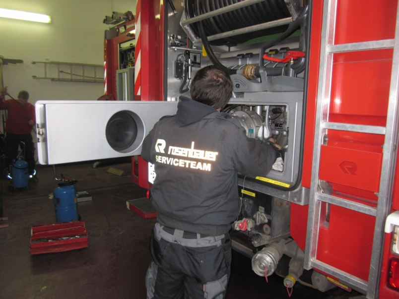 You are browsing images from the article: Pumpenservice durch Fa. Rosenbauer