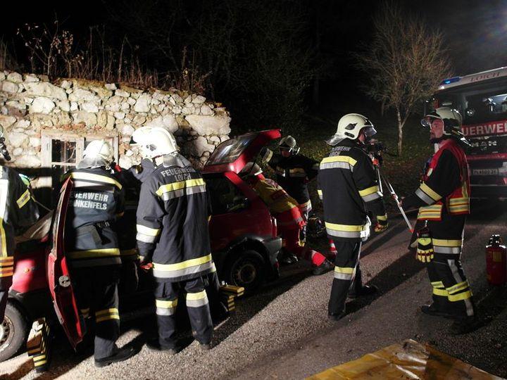 You are browsing images from the article: Technische Einsatzübung mit der FF Loich und dem ASBÖ Frankenfels
