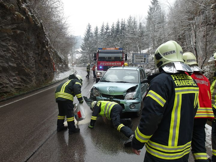 You are browsing images from the article: 19.11.2018: Verkehrsunfall mit Personenschaden