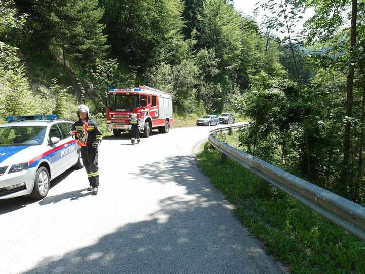 You are browsing images from the article: 06.07.2019: Motorradunfall mit schwerverletzter Person