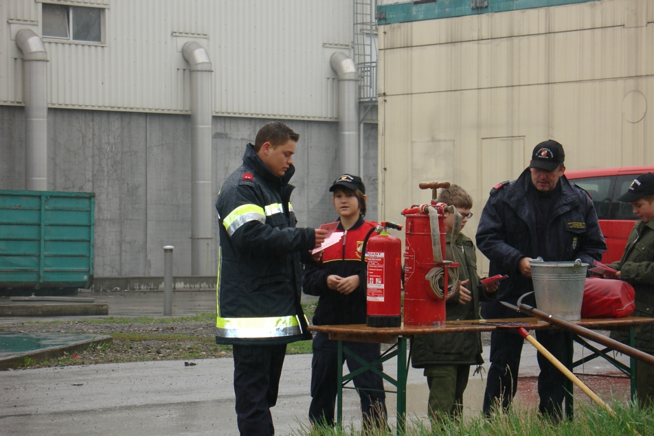 You are browsing images from the article: Wissenstest der Feuerwehrjugend in St. Pölten