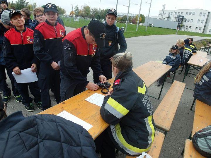 You are browsing images from the article: Orientierungsbewerb und Fertigkeitsabzeichen der Feuerwehrjugend in St.Pölten-Wagram