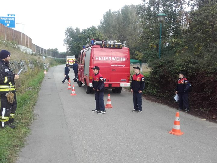 You are browsing images from the article: Orientierungsbewerb der Feuerwehrjugend