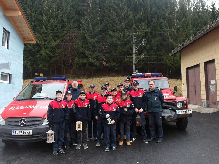 You are browsing images from the article: Friedenslichtaktion der Feuerwehrjugend