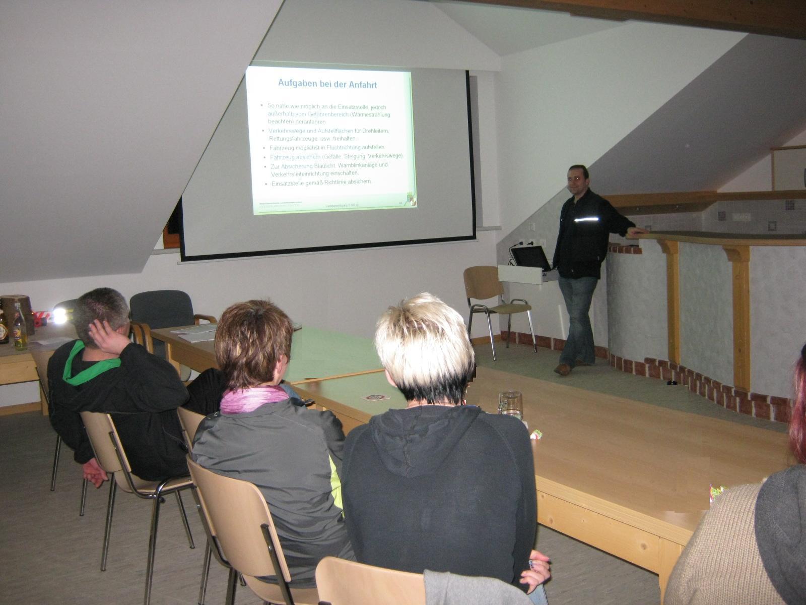 You are browsing images from the article: Ausbildung zum Führerschein für 5,5 Tonnen höchstzulässiges Gesamtgewicht