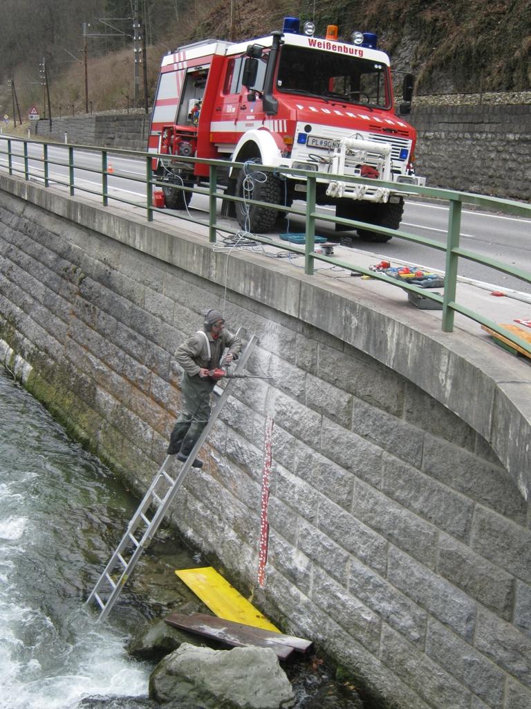 You are browsing images from the article: Neue Hochwassermessstelle bei der Weißenbachkreuzung