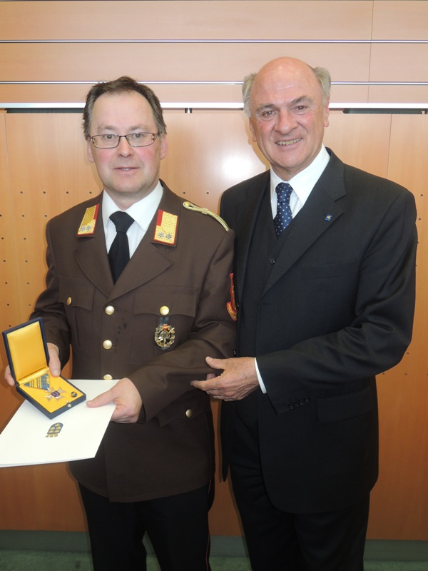 You are browsing images from the article: Hohe Auszeichnung für Ehrenbrandrat Franz Rußwurm