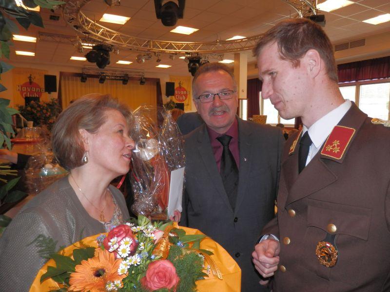 You are browsing images from the article: Feuerwehrpatin Brunhilde Größbacher feierte ihren 50. Geburtstag