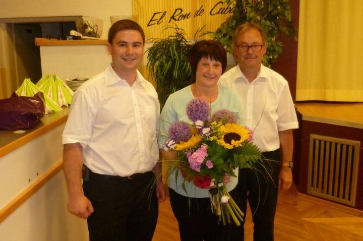 You are browsing images from the article: Feuerwehrpatin Franziska Leb feierte ihren 60. Geburtstag