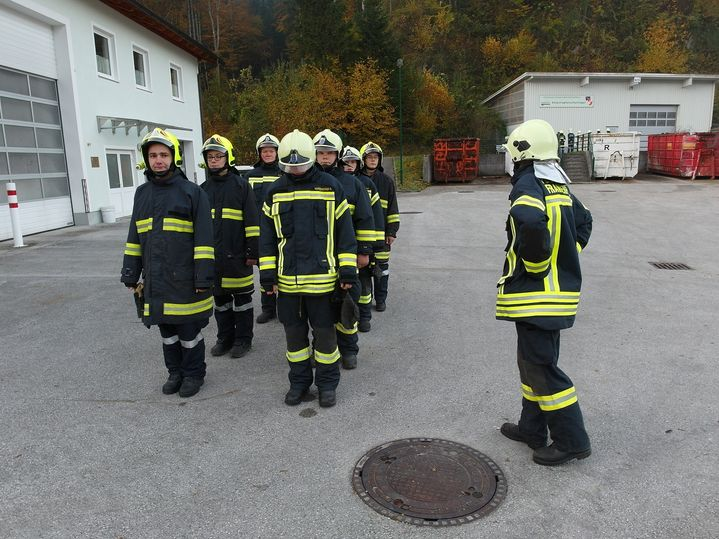 You are browsing images from the article: Grundausbildung bei der Feuerwehr