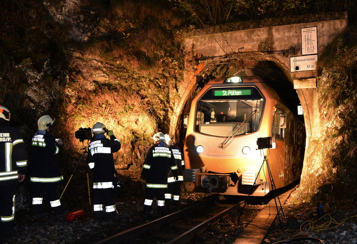 You are browsing images from the article: NÖVOG Tunnelübung