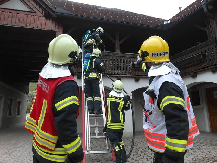 You are browsing images from the article: Unterabschnitts-Atemschutzübung in Frankenfels