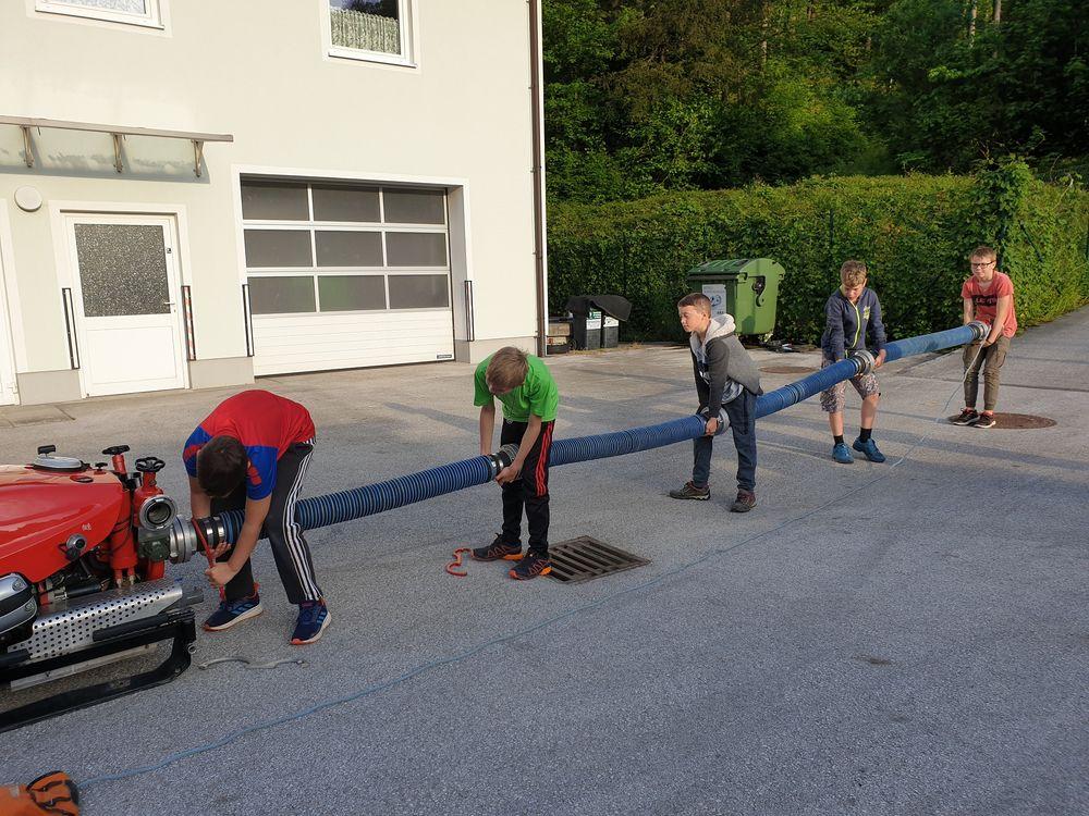 You are browsing images from the article: Feuerwehrjugend hat Übungsbetrieb wieder aufgenommen: