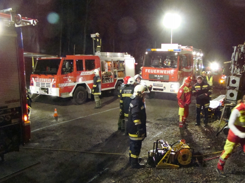 You are browsing images from the article: Übung mit ASBÖ Frankenfels und Feuerwehr St.Anton/Jeßnitz