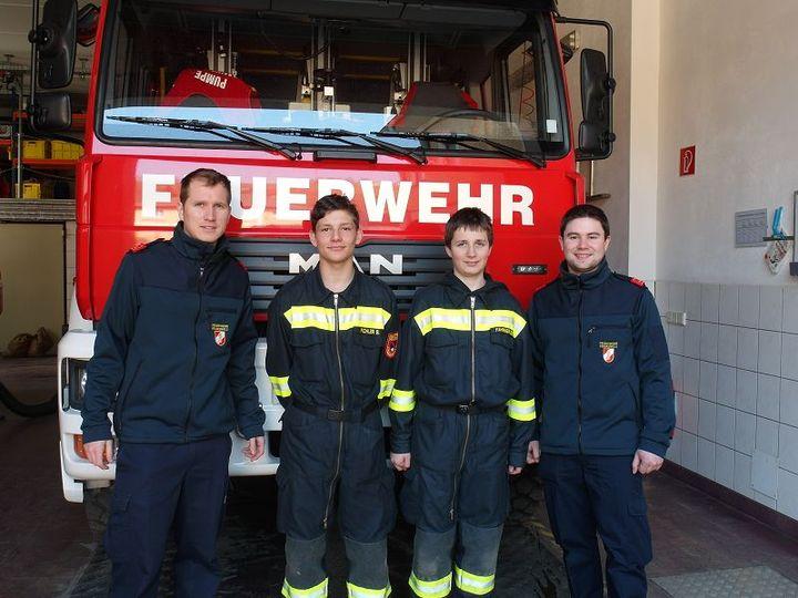 You are browsing images from the article: Feuerwehr-Grundausbildung erfolgreich abgeschlossen