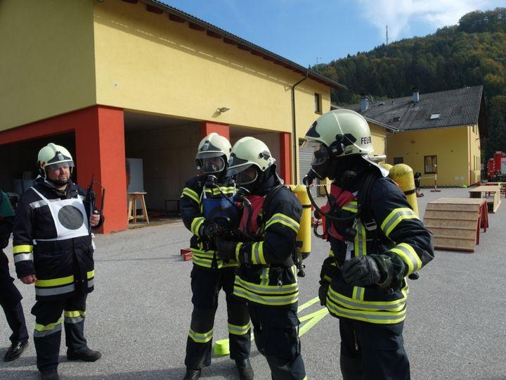 You are browsing images from the article: Ausbildungsprüfung Atemschutz erfolgreich abgelegt